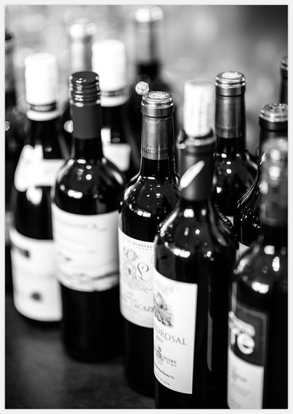Wine in black & white