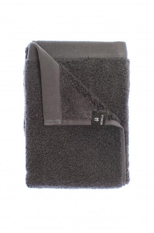 Presenttips grå duschhandduk från Himla.