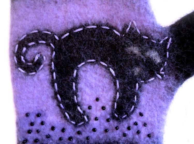 Tovade vantar Svarta katter
