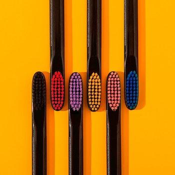 R.O.C.S. ® Tandborste  Black Edition, Medium