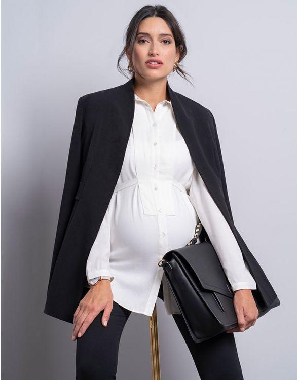 Svart gravidkavaj som passar till gravidkostym öppen