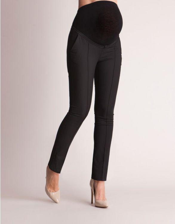 Svarta finbyxor med veck på framsidan och siden kant på fickorna sett framifrån zoomat