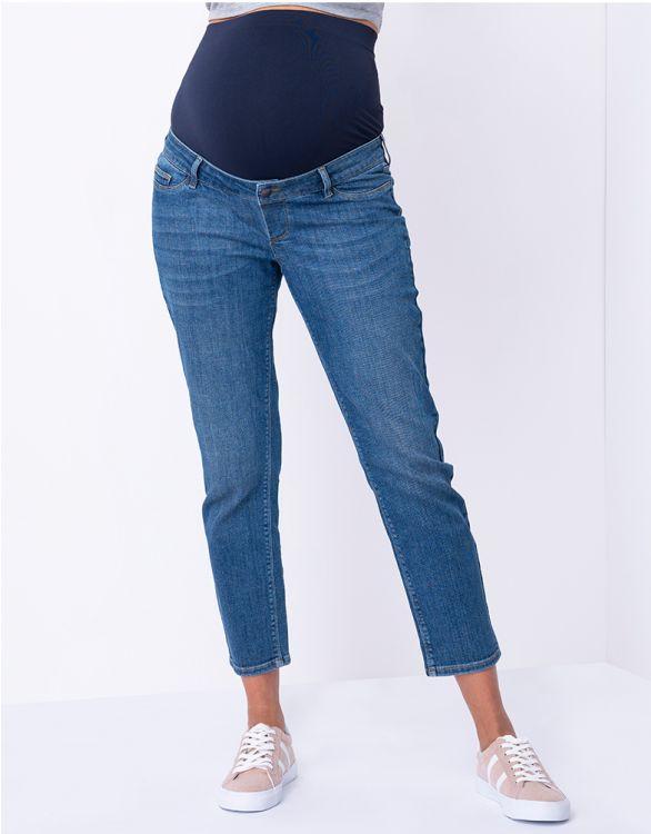 Blåa vadlånga gravidjeans med raka ben ut zoomad bild på byxorna 2