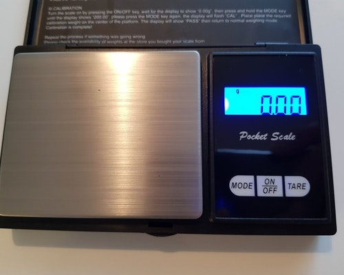 Digital våg 0,01-200 gram med batterier 2 st AAA