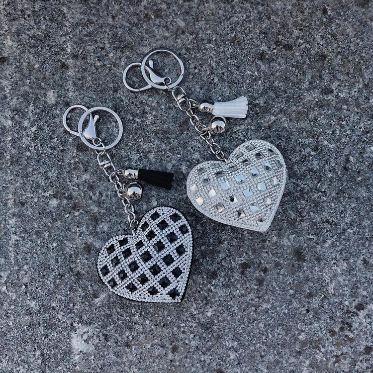 Hjärtnyckelring | Svart