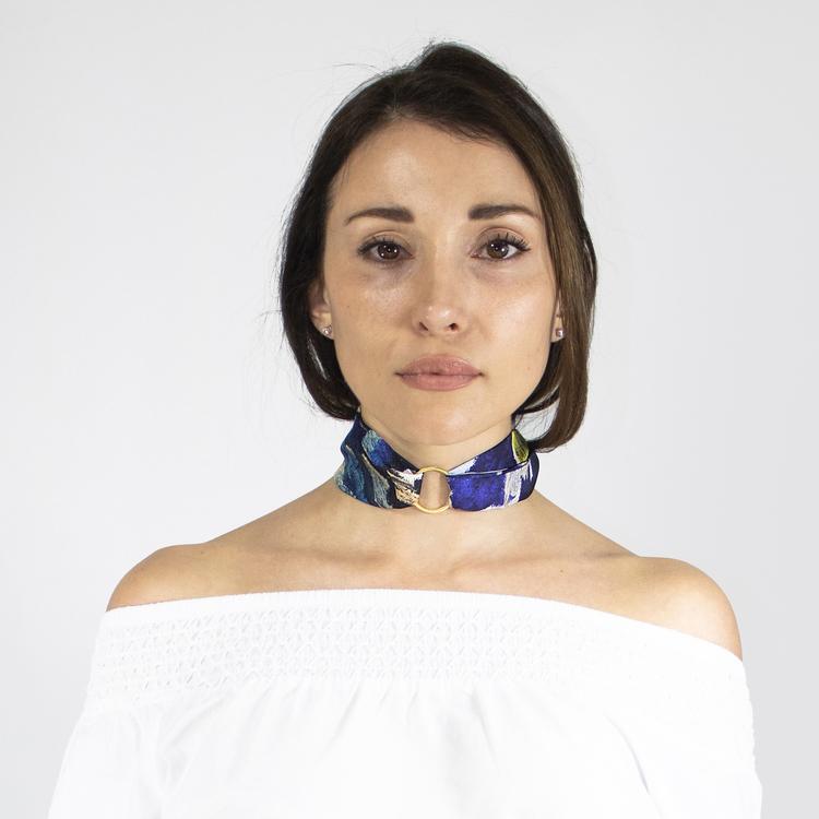 Twilly scarfette ring som används med twilly runt halsen