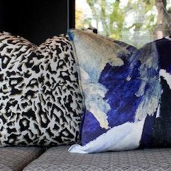 Zhi Zulu Leopard Svart/Elfenben Kuddfodral i Sammet 60 x 60 cm