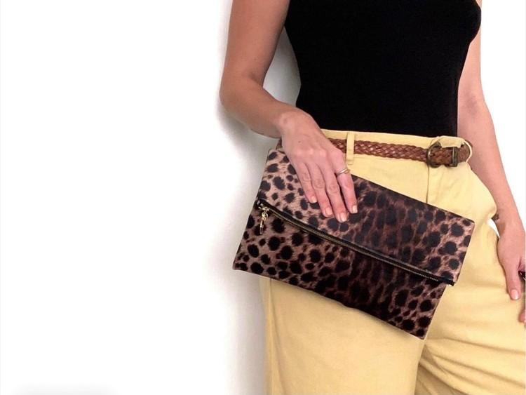 Leopardmönster kuvertväska i sammet