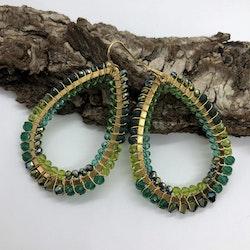 Joy teardrop örhängen grön
