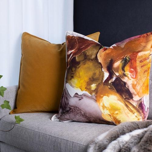 Sammetkuddfodral i senapsgul 60 x 60 cm