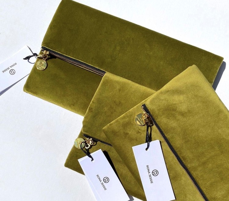 Oceanum Moss modal- och sidenscarf och grön clutchväska set