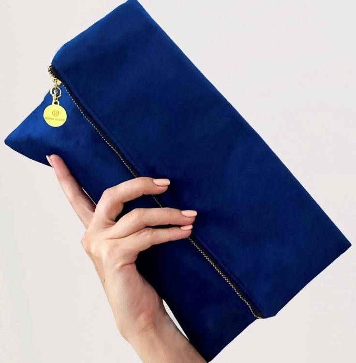 Kuvertväska kungligt blå