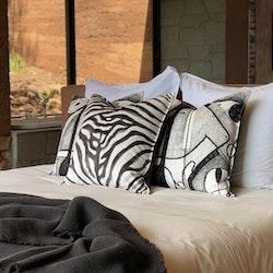 Aureum Zebra kuddfodral i sammet 60 x 60 cm