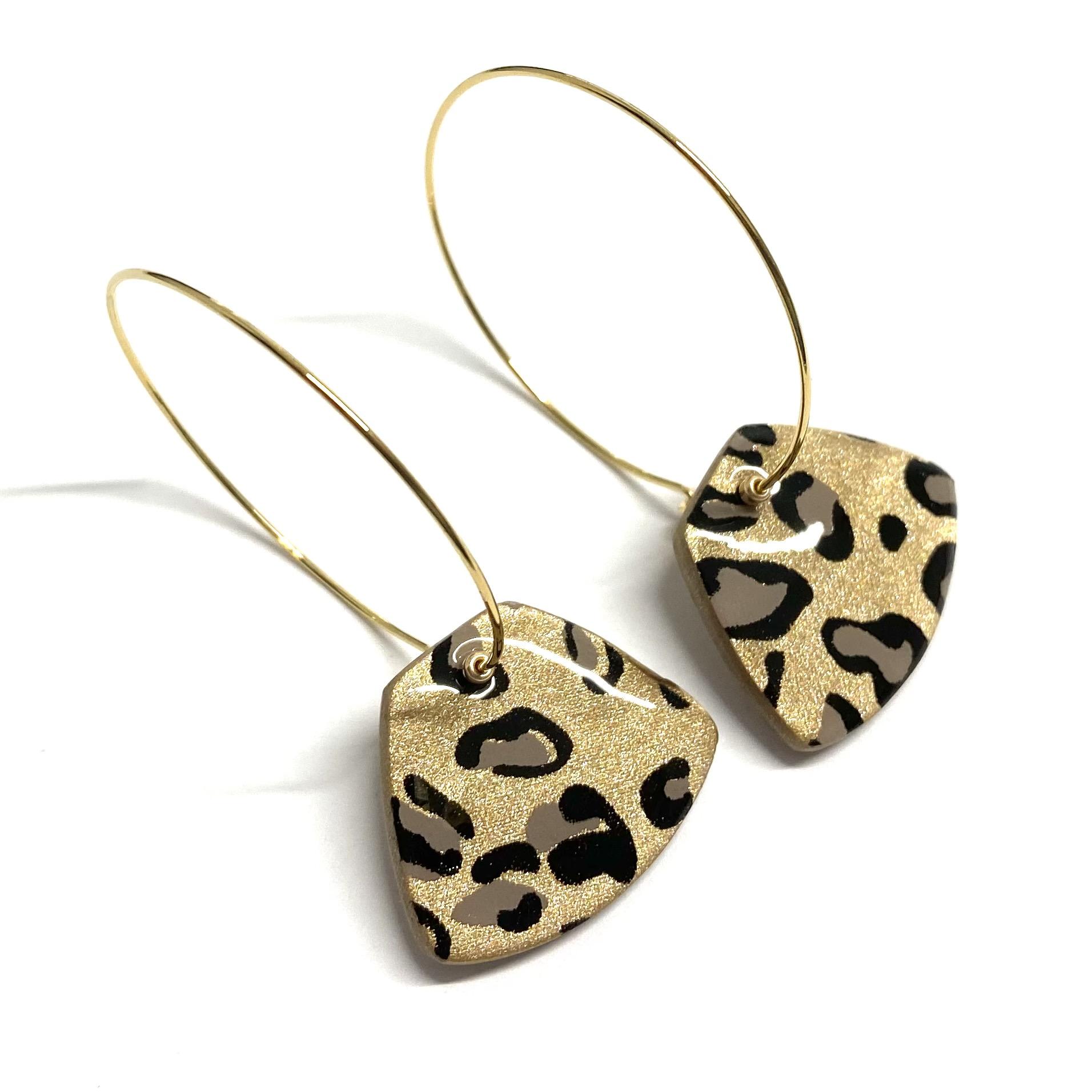 Kita örhängen guld leopard