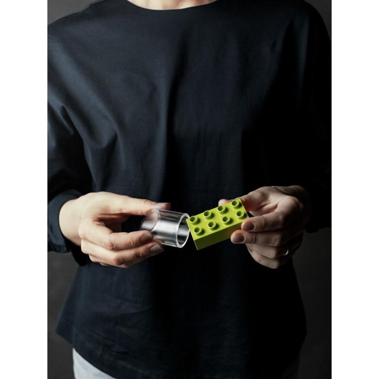 Smådelscylinder för att prova föremål och förhindra kvävningsolyckor