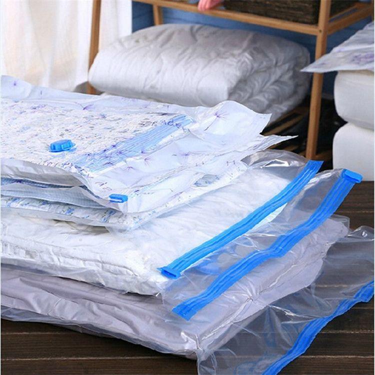 Vakuumpåse för kläder och täcken som sparar plats