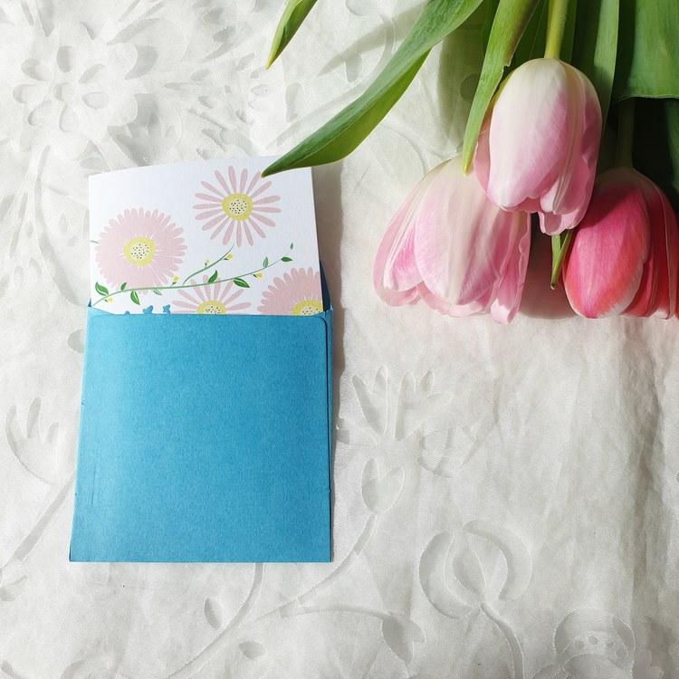 Grattiskort med vackra tulpaner
