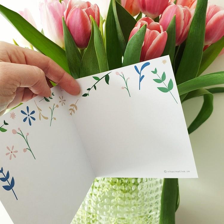 Inbjudningskort med blommönster