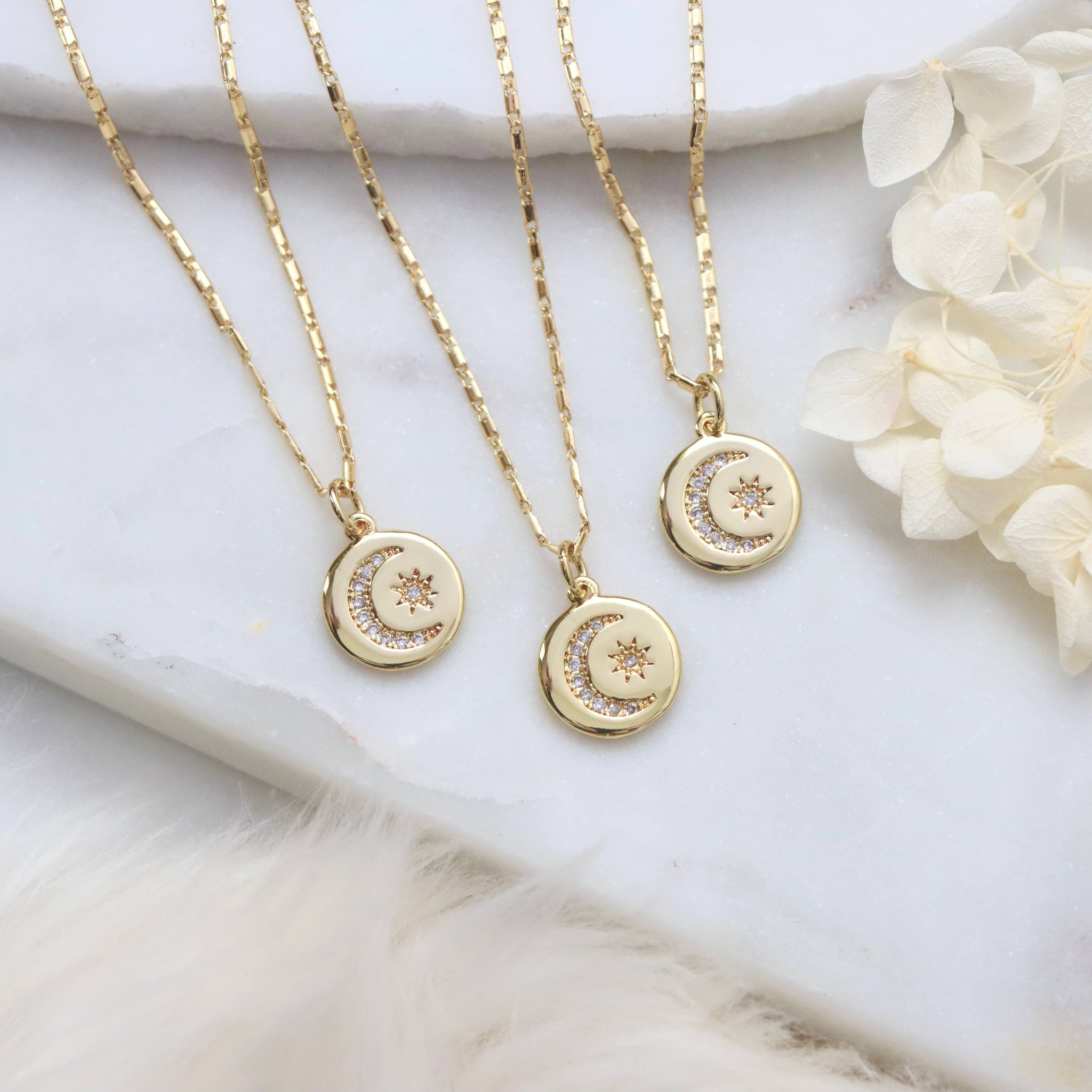 Moon and Star halsband