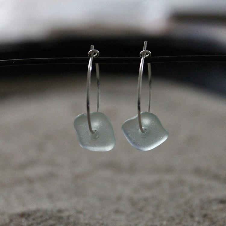 Small Loop Fresh Air örhängen