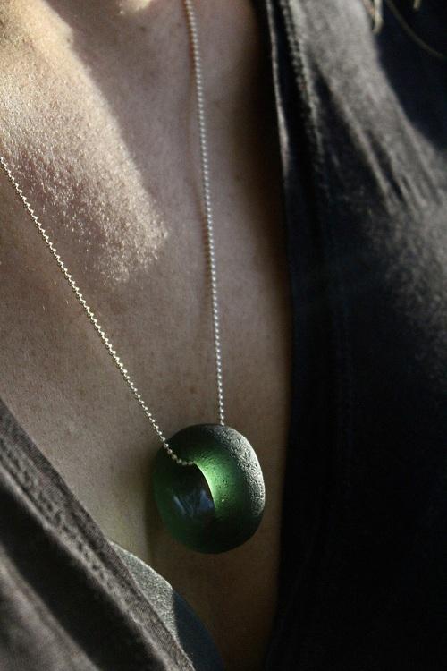 Re-Circle Dark Olive halsband