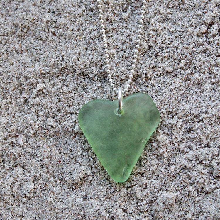 Love In Green halsband