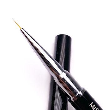 Liner brush 0.6