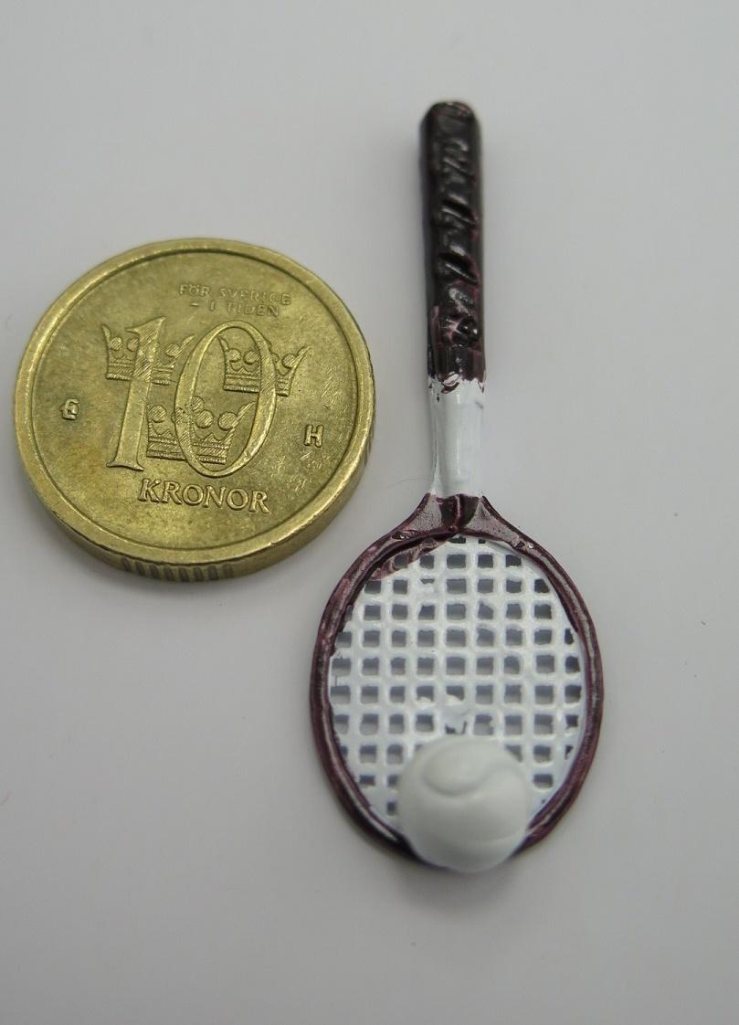 **Miniatyr** Tennisracket med boll