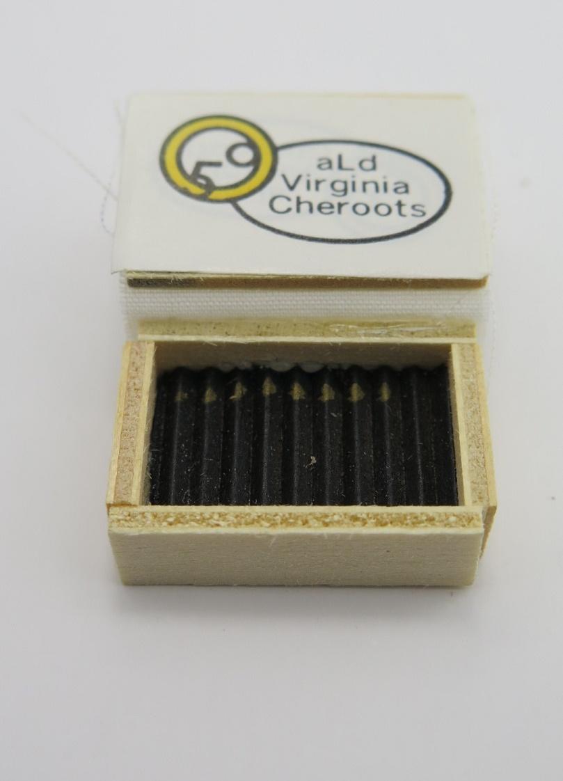 **Miniatyr** Cigarrlåda med cigarrer