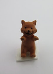 **Miniatyr** Brun katt