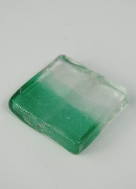 Fyrkantiga glaspärlor ljusgrön/vit
