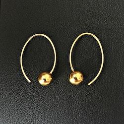 Guldpläterade stilrena örhängen med 6 mm kula