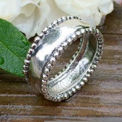 Mariette - Silverring med små kulor, 8 mm