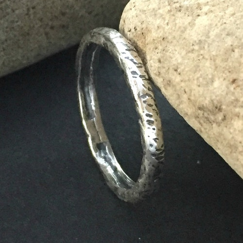 Lowa - Silverring i ruff design