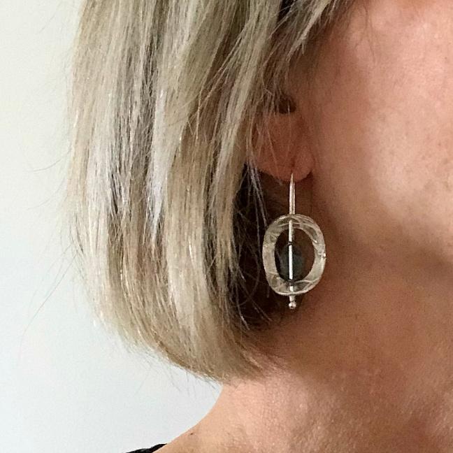 Ziona - Silverörhängen i läcker design