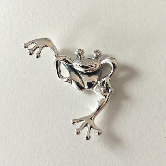 Goaste grodan, Rejält hänge i silver