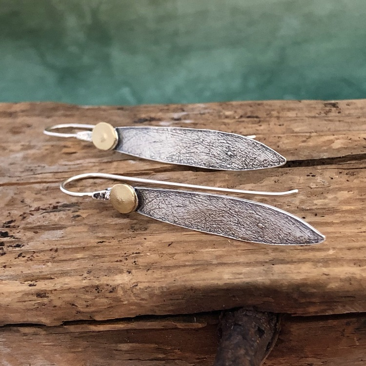 Alexandra - Snygga örhängen med långa krokar