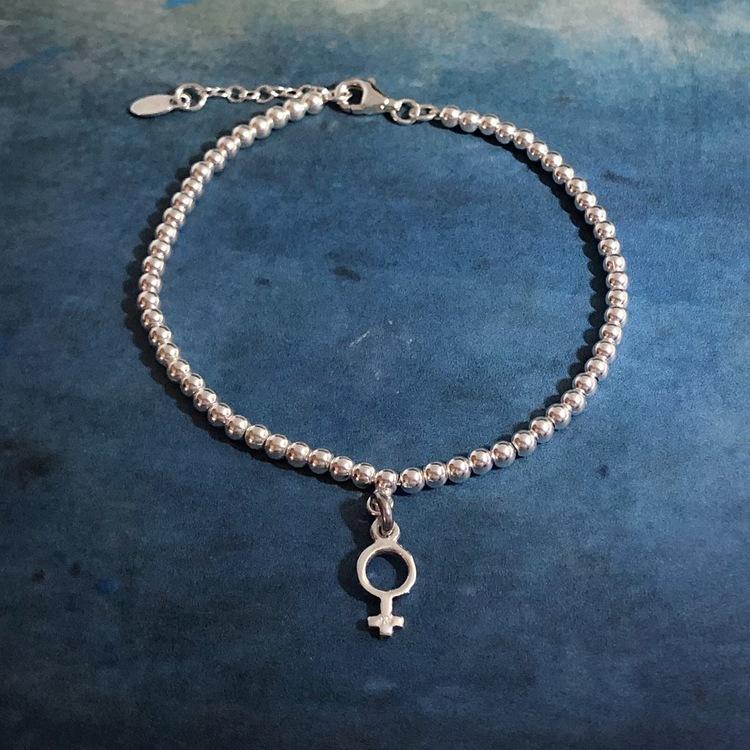 Venus - Armband med liten kvinnosymbol
