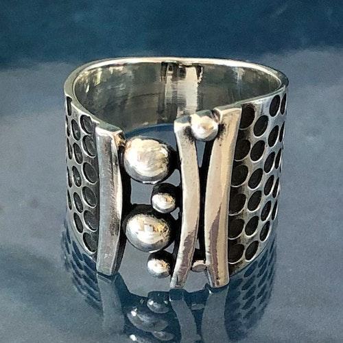 Kaija - Silverring i härlig design