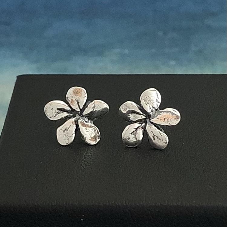 Silver Flower, silverörhängen