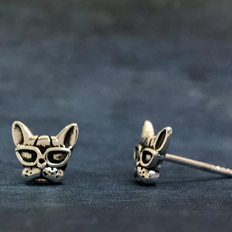 Små tuffa hundar - Silverörhängen