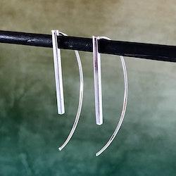 Betty - Stilrena silverörhängen