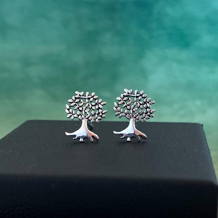 Livets träd - Små fint detaljerade silverörhängen