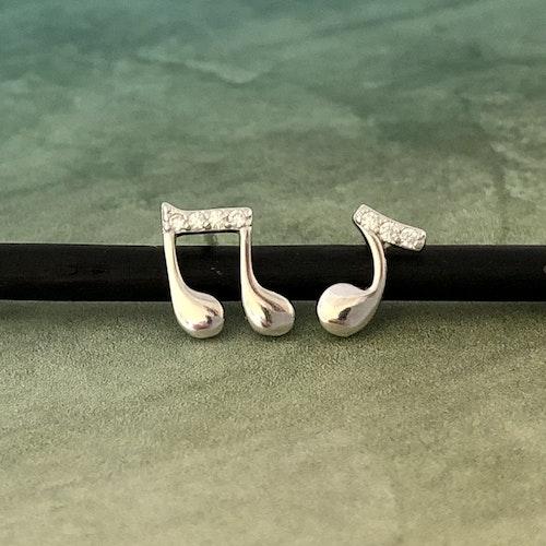 Noter - Silverörhängen med kristaller