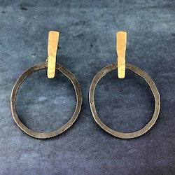 Paulina - Snygga oxiderade örhängen med guldinslag