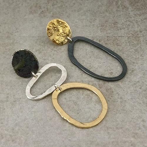 Arleen - Örhängen i svart, guld och silver