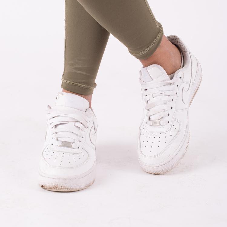 Laga sneakers