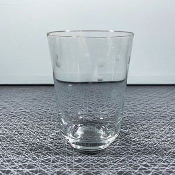 Större glas med prickar - Sea glasbruk, Kosta