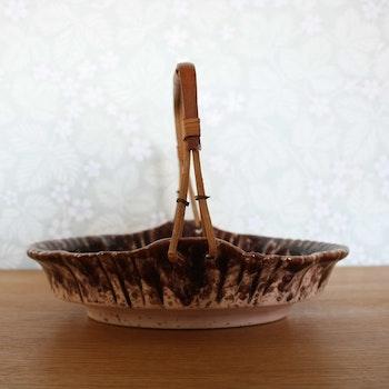 Äldre tysk keramikskål med handtag