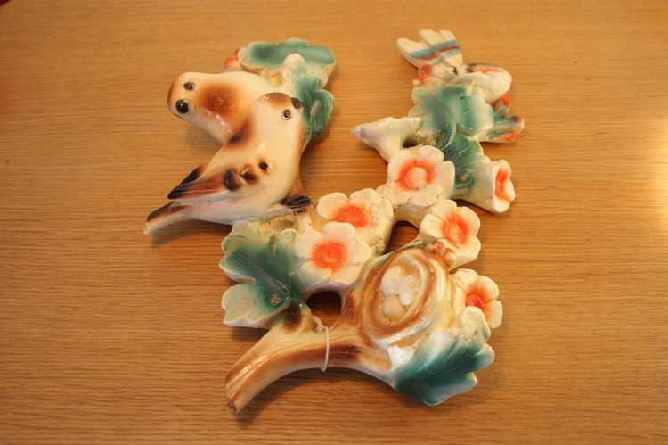 Väggtavla i keramik